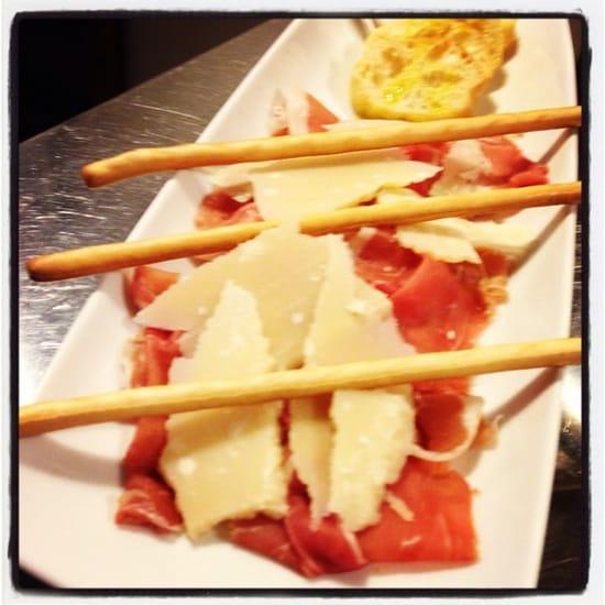 Entrée : Spagho  - assiette jambon de parme et parmesan -