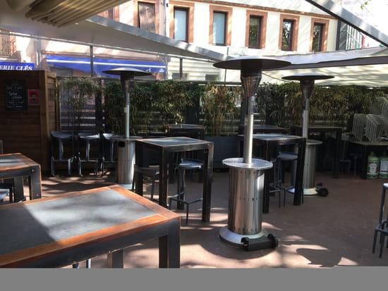 Le Grand Zinc  - notre terrasse ombragée en été, chauffée en hiver -   © x