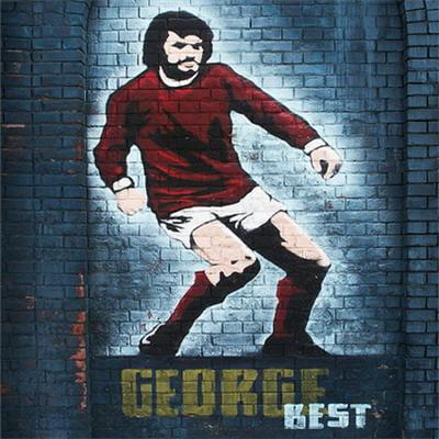 george best est resté une légendeà belfastet s'affiche sur certains murs de la