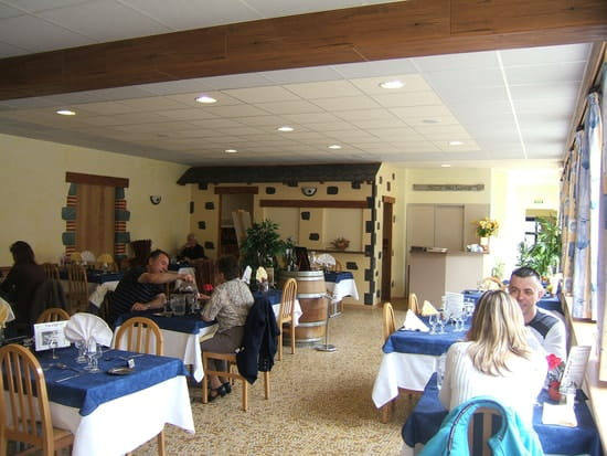 Restaurant les Messageries  - salle gentiane -   © muriel barré