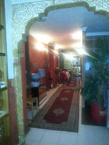 Restaurant : Aladin  - en quittant la grande salle du fond -   © photo m'appartient