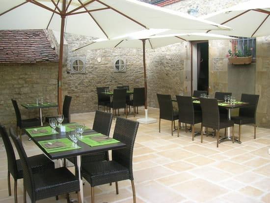 Auberge du Cheval Blanc  - Terrasse -   © J Ribière