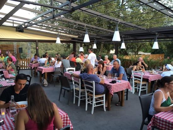 Restaurant Pizzéria Les Cascades  - la terrasse -