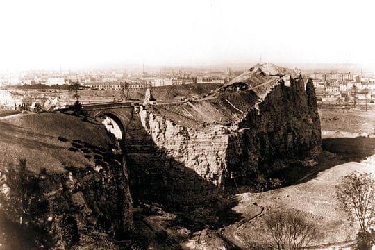 La construction des Buttes Chaumont
