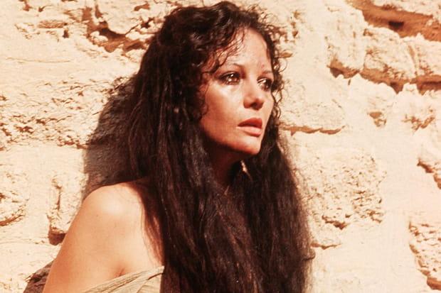 Claudia Cardinale dans Jésus de Nazareth en 1977