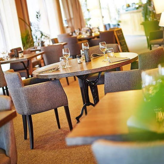 , Restaurant : Sur Le Green Restaurant  - Salle Du restaurant -   © Allison Feuvrier