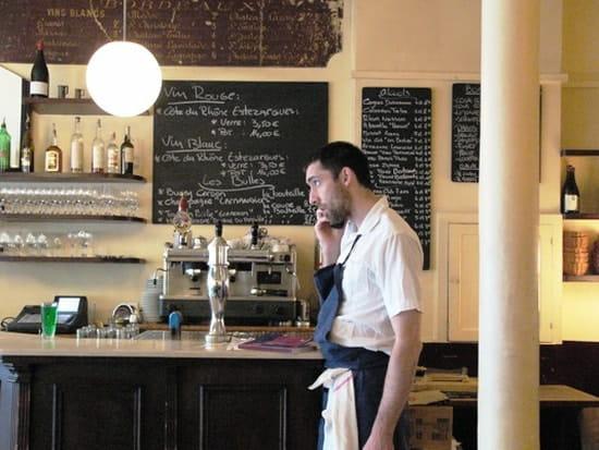 Le Chateaubriand  - Inaki dans son restaurant -   © L'Internaute Magazine/Marianne Aubry-Lecomte