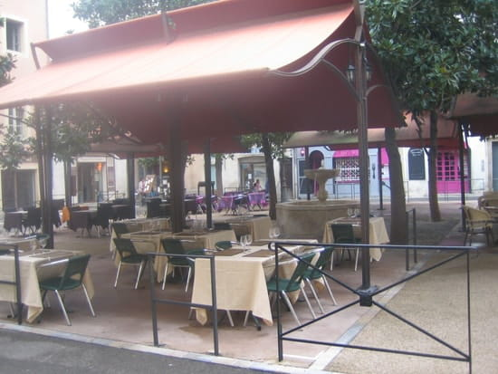 Les Magnolias  - formule soir entrée +plat ou dessert 16,00 € menu 20,00 € -