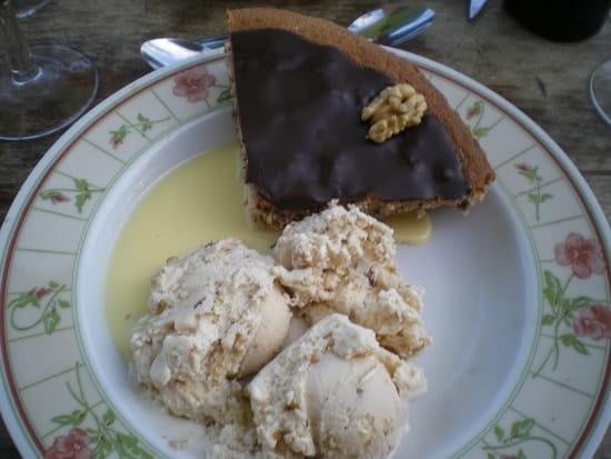 La Halle Paysanne  - dessert au noix avec glace noix -