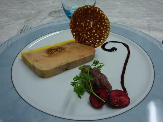 Restaurant Le Pelican  - foie gras de canard farci aux figues et sa confiture d'oignons à la grenadine -