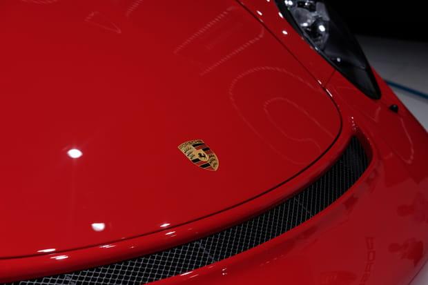 Un capot qui rappelle la Porsche 911GT3