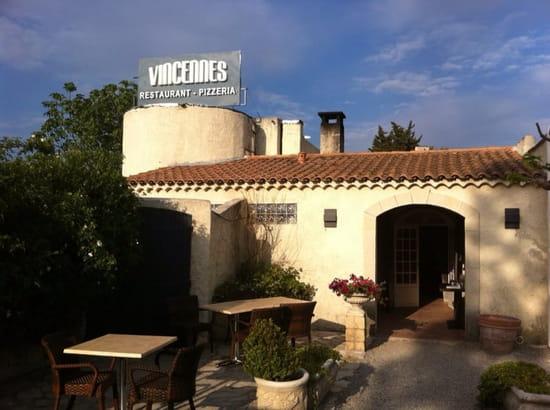Vincennes; à l'ombre des Pins