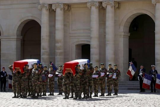 Hommage à Cédric de Pierrepont et Alain Bertoncello: les images de la cérémonie