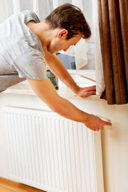 Quand faut il purger les radiateurs - Faut il purger tous les radiateurs ...