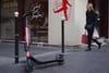 Trottinette électrique: interdites de stationner sur les trottoirs à Paris!