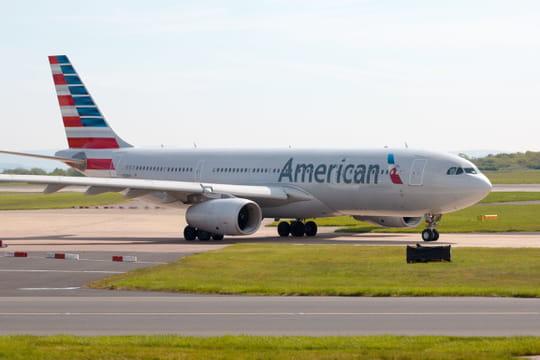 Un avion endommagé par une tempête de grêle, le pilote atterrit à l'aveugle