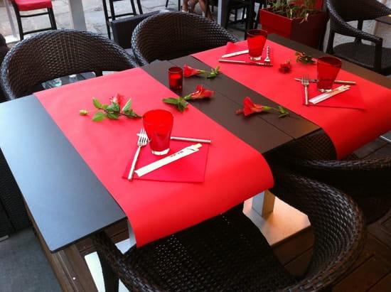 L'Agora  - Romantic implementation -