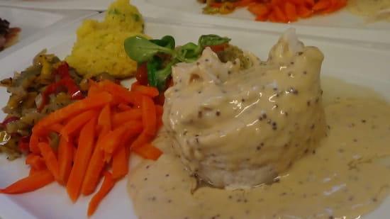 La Petite Auberge  - dôme de raie sauce à l'ancienne -