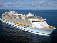 l'oasis of the seas est le plus grand bateau de croisière du monde.