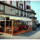 Les affiches  - La terrasse du restaurant Les Affiches -   © Julien Caupeil