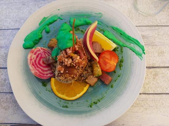 Plat : L'Ô à la Bouche  - Steak de thon de méditerranée, crème wasabi -   © O A LABOUCHE