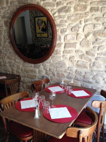 Les Acacias  - Côté Restaurant -