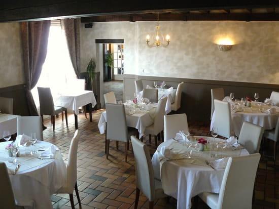 Le Saint Christophe  - grande salle de restaurant -   © SARL le saint christophe