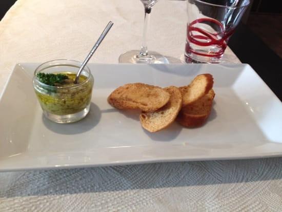 Entrée : La cantine du 7  - Mise en bouche tapenade olive -
