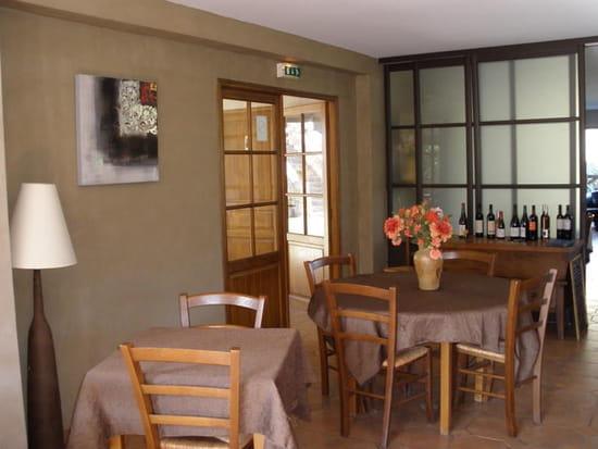 Restaurant Les Deux Sorru  - Salle partie 1 -   © Ibagni