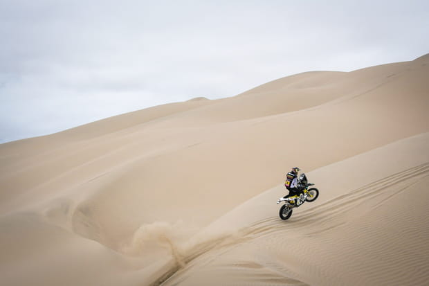 Pablo Quintanilla dans les dunes