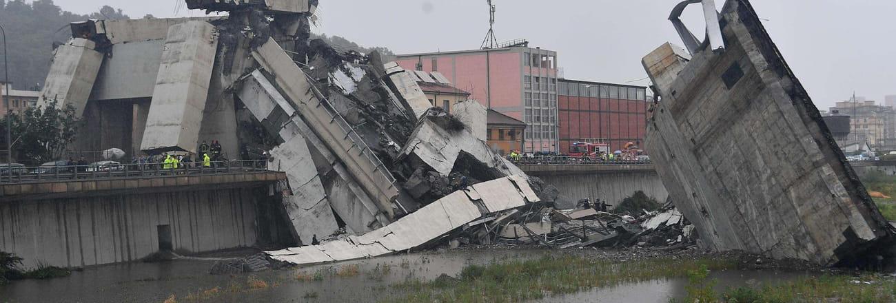Les images spectaculaires du pont effondré à Gênes