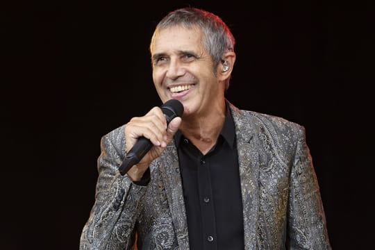 """Julien Clerc: Calogero, Carla Bruni, Vianney... Les invités de l'album """"Duos"""""""