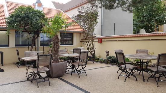 Restaurant : Le Relais de Guermantes  - terrasse -   © RG