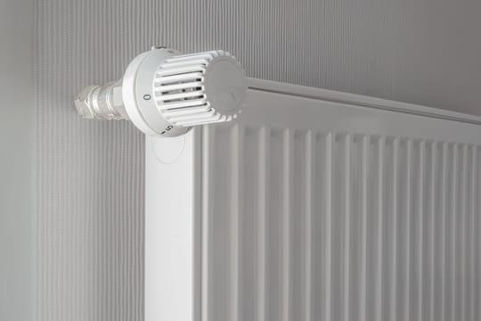 Poser un robinet thermostatique sur un radiateur ancien