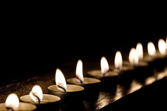Texte sur la mort: modèles de poème pour rendre hommage à un défunt