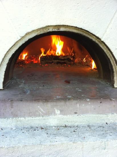 L'Oriagan  - pizza au feu de bois -   © christian.aix