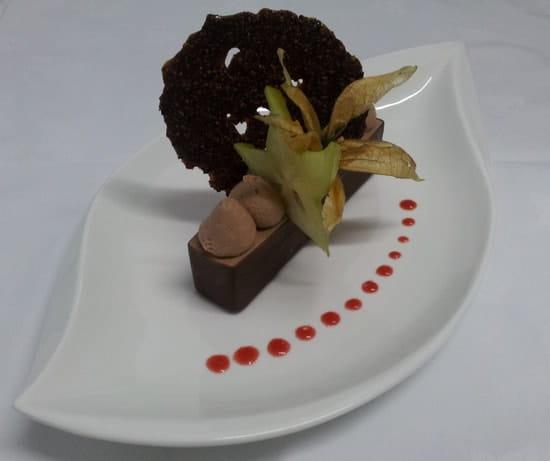 Du Goût à la Toque  - Elianza chocolat au lait, coeur passion et tuile grué -