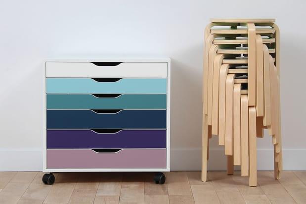des meubles ikea qui changent de couleur. Black Bedroom Furniture Sets. Home Design Ideas