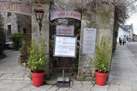 CREPERIE LE LOGIS  - Entrée principale face à la collégiale -   © Laurent Planquelle