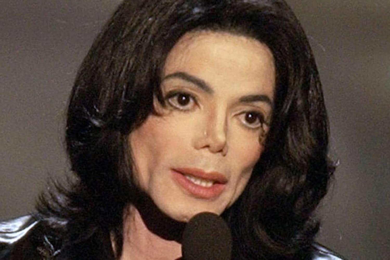 Michael Jackson: chansons cultes, vie et polémiques... Biographie du Roi de la pop