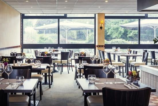 Restaurant Les Aviateurs  - restaurant intérieur -   © Pierre ERIDIA