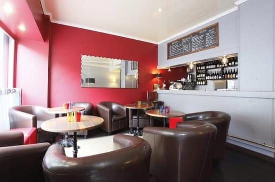 Restaurant : Bistro32  - Salon club pour dégustation  -