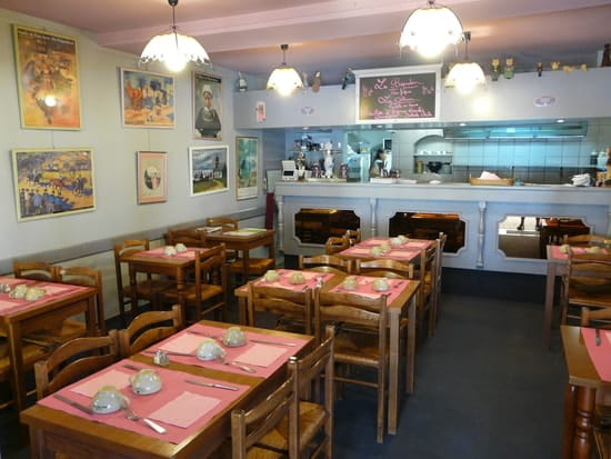 Crêperie Saladerie La Bigouden  - intérieur breton bigouden saumur -