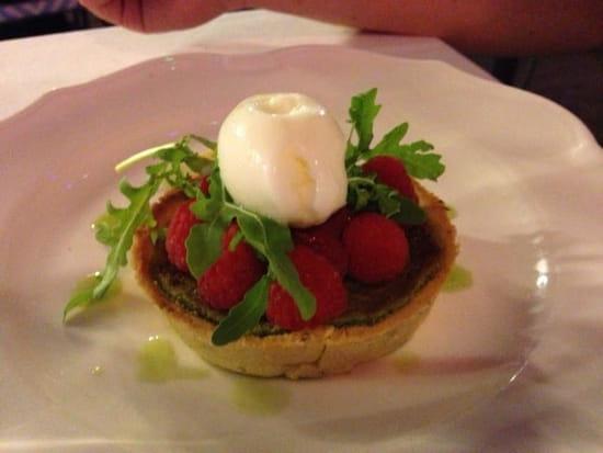 Dessert : Le Relais 50  - Tarte à la pistache, framboises et roquette -