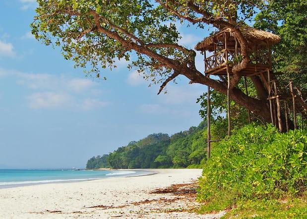 La plage de Radhanagar sur l'île Havelock en Inde