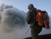 Odyssées volcaniques, quand la terre gronde : L'île de feu