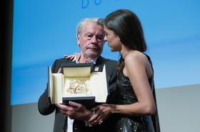 Alain Delon: en larmes à Cannes, il évoque la mort sans trembler