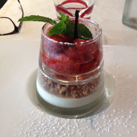 Dessert : La cantine du 7  - Crumble fruits rouges -