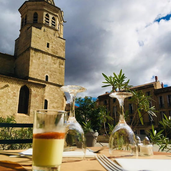 Restaurant : Le Petit Montmartre  - Vue de la terrasse -   © oui
