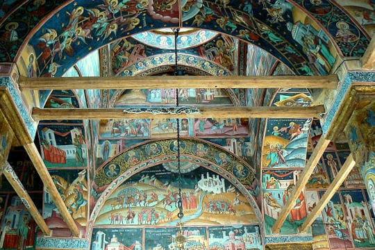 Dans le monastère de Horezu en Roumanie